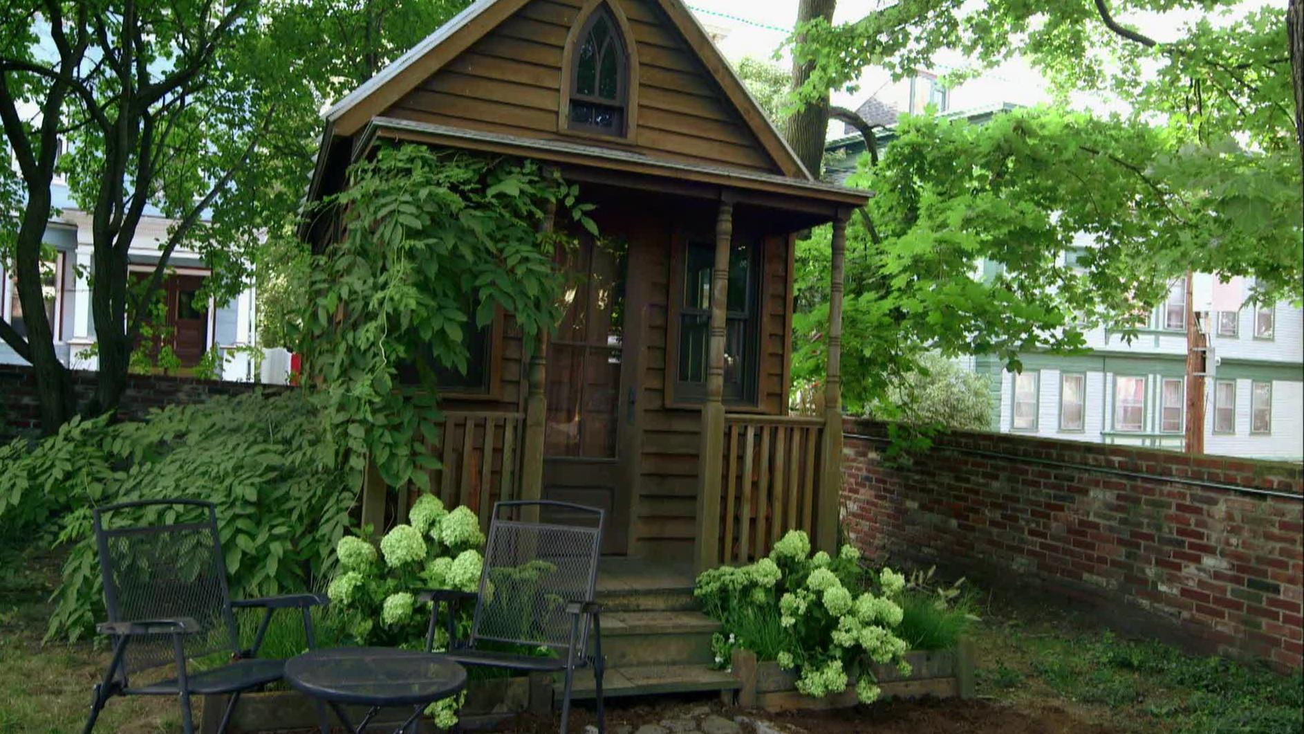 See Inside the Tiny House That Started The Small Space Trend