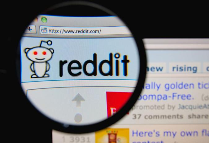 Reddit offers an olive branch to moderators: 'we apologize'