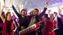 Telecinco sostiene su éxito cinemátográfico con el arte de la repetición de sus películas