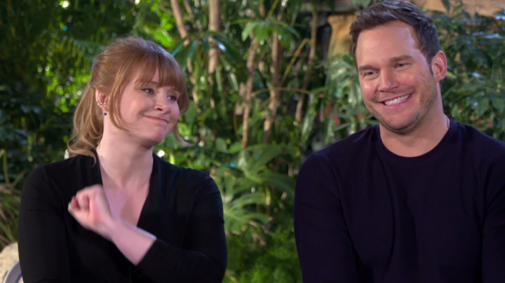 Chris Pratt and Bryce Dallas Howard try to pronounce ridiculously hard dinosaur names