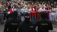 """Biélorussie : sous la pression internationale, """"le pouvoir essaie de se montrer beaucoup plus doux dans ses tentatives de réprimer"""", analyse l'universitaire Ioulia Shukan"""