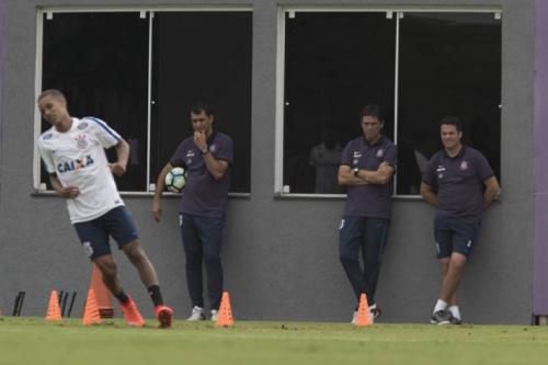 Com Pedrinho, Corinthians relaciona 22 jogadores contra a Ferroviária