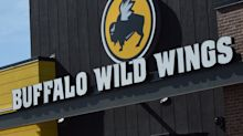 Buffalo Wild Wings worker dies after accidentally mixing two cleaning products — here's how to stay safe