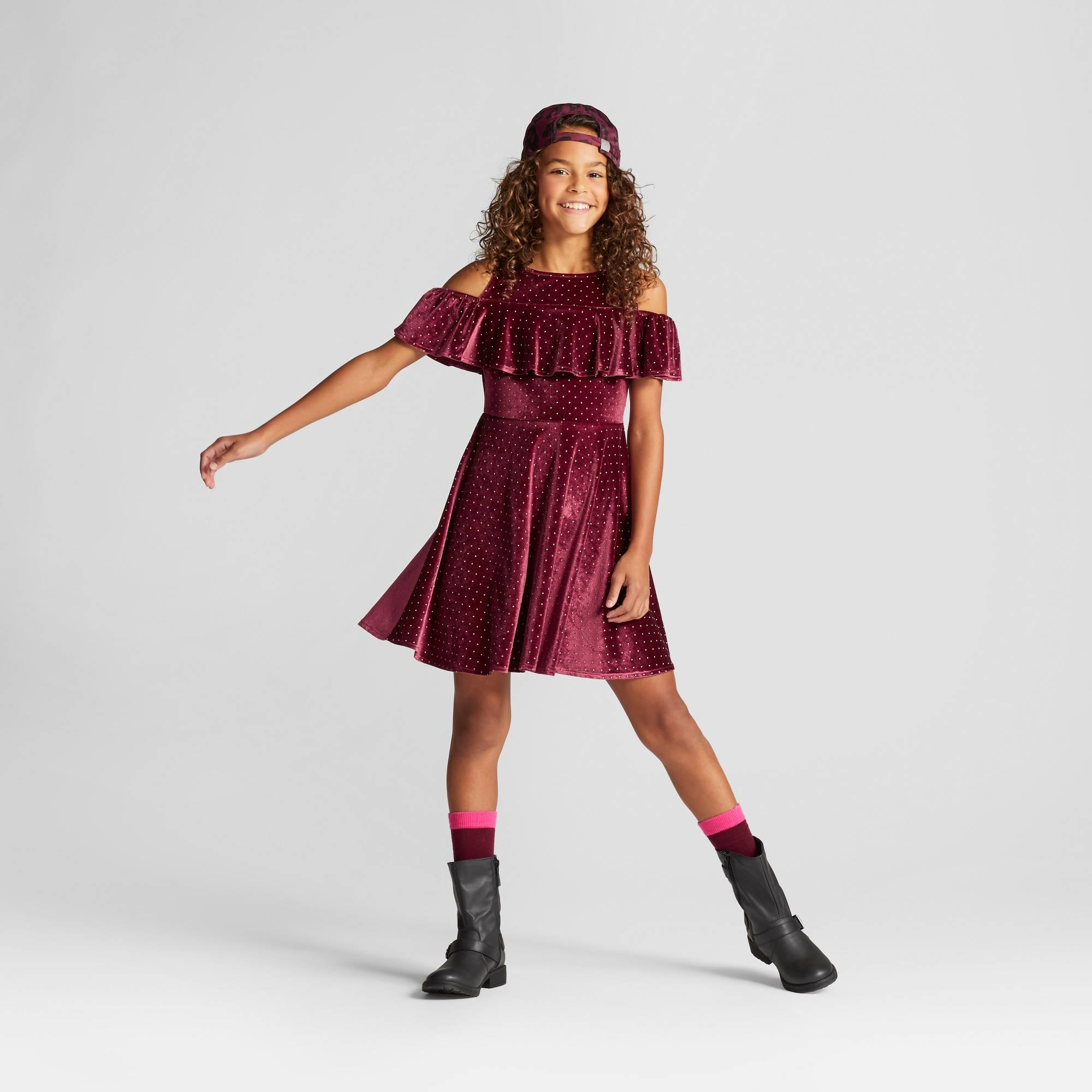 22bccf51df Trendy Teen Clothes That'll Make Perfect Gifts