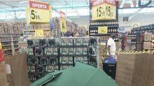 Carrefour 'esconde' corpo de colaborador e mantém loja aberta no Recife