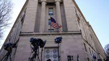 Trump, lawmakers await details of Mueller's Russia report
