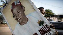 """Guinée: le challenger d'Alpha Condé revendique la victoire """"dès le premier tour"""""""