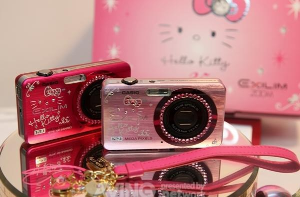 Hello Kitty gets another 12.1 meowgapixel camera to celebrate her 35th anniversary