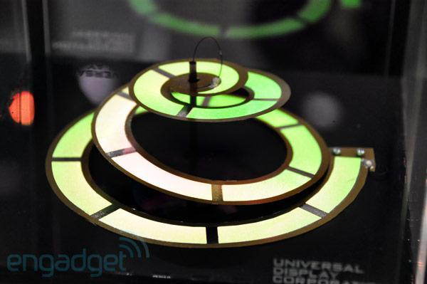 UDC shows off serpentine OLED lamp concept at SID 2011 (video)