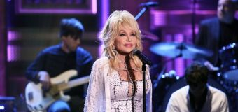 Dolly's latest achievement: Creating viral meme at 74