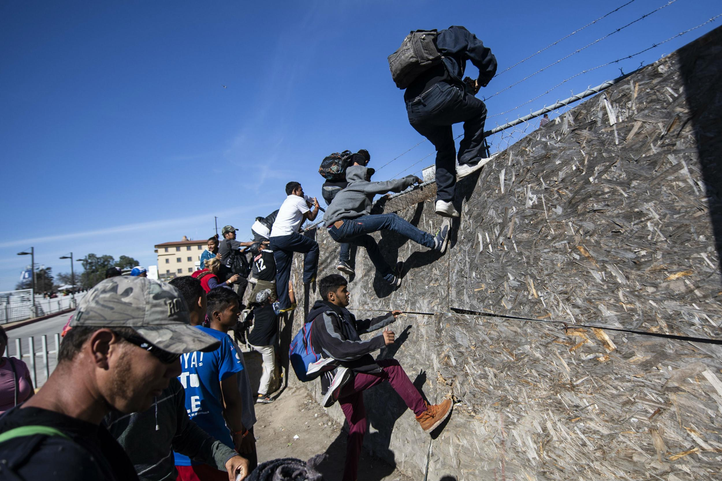 Mexico to immediately deport 500 migrants who 'violently and illegally' tried to cross US border