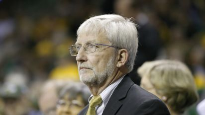 Ex-Baylor prez questioned assault victims