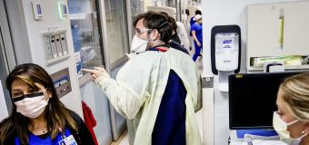 Hopes fade as cases surge in a COVID ICU