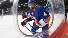 Islanders bring Dennis Seidenberg back with another one-year deal