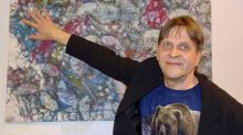 Juuso the bear makes artistic debut at Finnish gallery