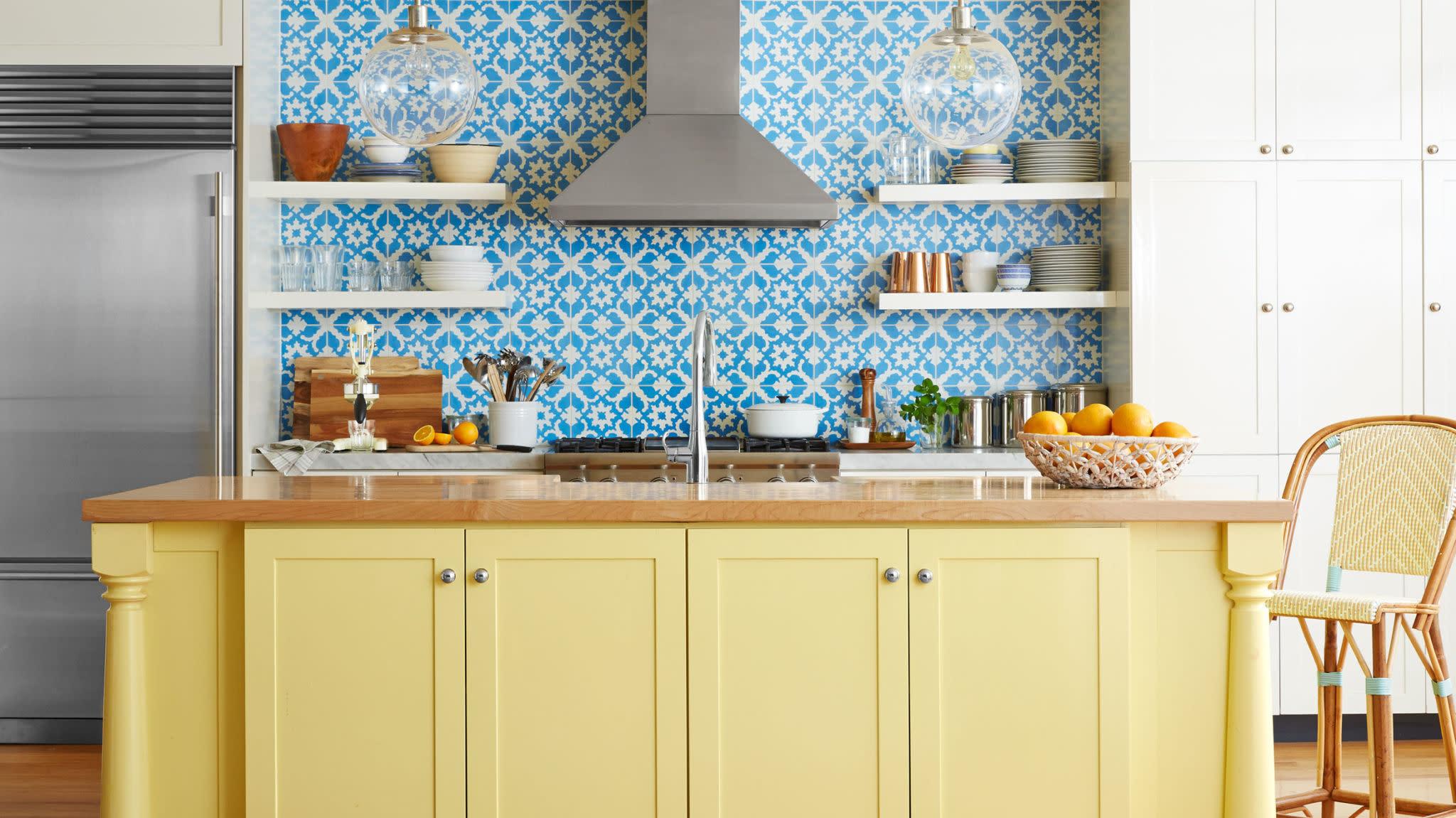18 Creative Kitchen Backsplash Ideas on yellow dining room idea, yellow bathroom idea, yellow tile backsplash,
