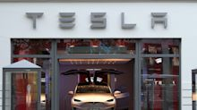 Jefferies on Tesla: Risk profile continues to improve
