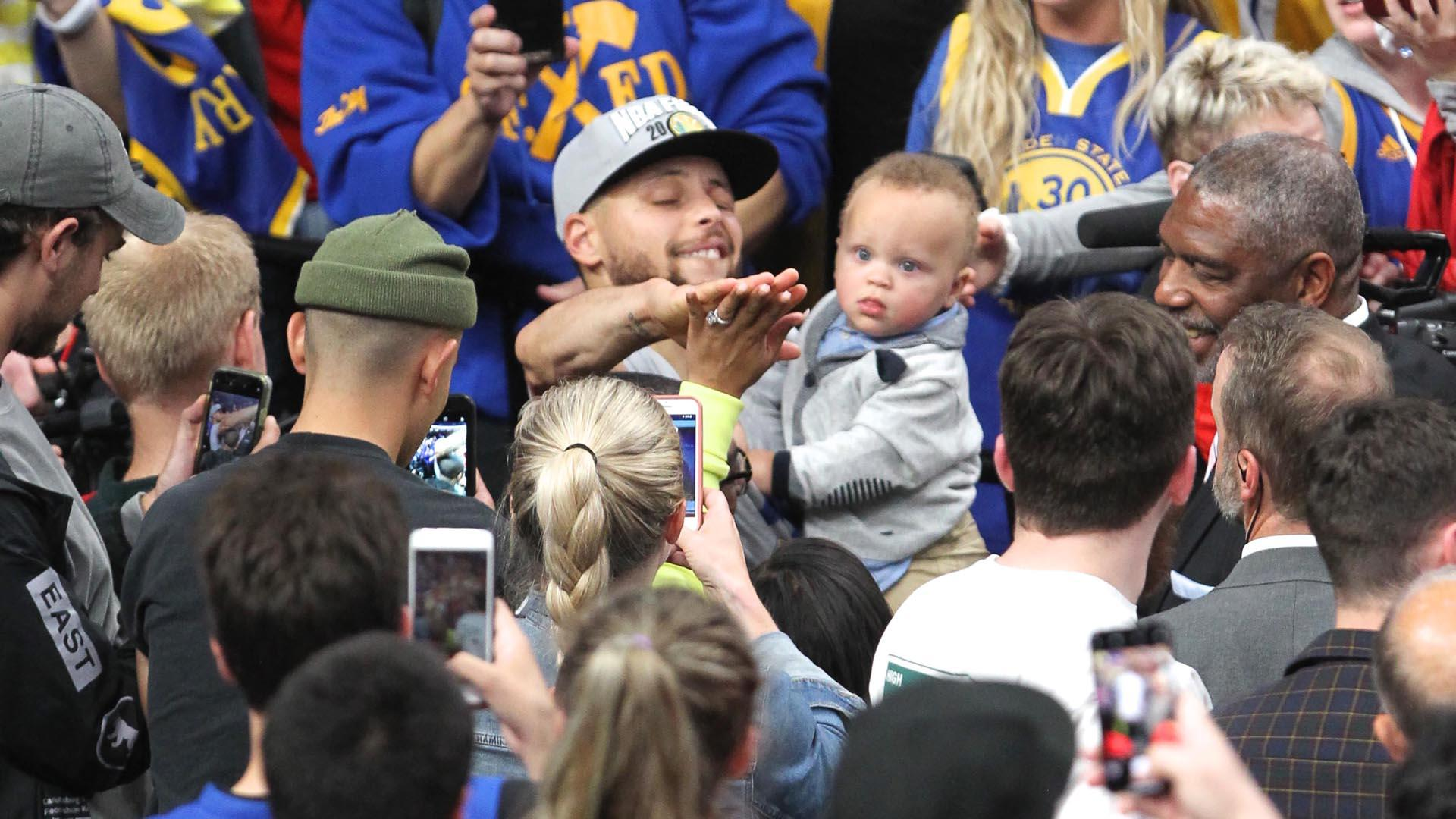 Watch Warriors' Steph Curry put son Canon through adorable home workout