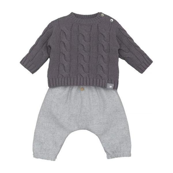 """<p><strong>snug</strong></p><p>maisonette.com</p><p><strong>$79.00</strong></p><p><a href=""""https://go.redirectingat.com?id=74968X1596630&url=https%3A%2F%2Fwww.maisonette.com%2Fproduct%2Ftoupeira-2-piece-set&sref=https%3A%2F%2Fwww.goodhousekeeping.com%2Fholidays%2Fthanksgiving-ideas%2Fg23100250%2Fbest-baby-thanksgiving-outfits%2F"""" rel=""""nofollow noopener"""" target=""""_blank"""" data-ylk=""""slk:Shop Now"""" class=""""link rapid-noclick-resp"""">Shop Now</a></p><p>This outfit is warm, looks sharp and is easy to manage all in one. The flannel pants have elastic at the ankles, it buttons at the shoulder for easy outfit changes and the cotton is very soft. </p>"""