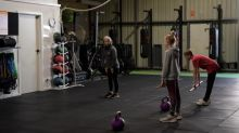 Workout, shut up, wipe down: how to stay healthy at the gym