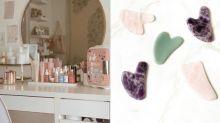 歐美大熱刮痧入門指南:最適合小資女的在家美容療程,是化妝桌必備工具!