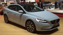 Next Volvo V40 to depart from pure hatchback form, become a 'pseudo-SUV'