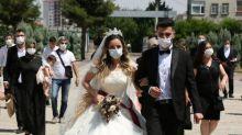 Coronavirus rise dashes Turkish dreams of big weddings