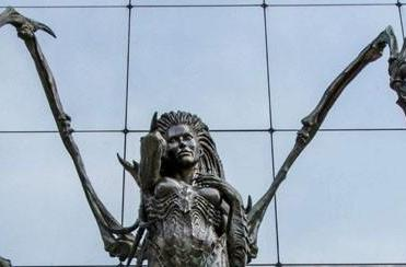Blizzard's Versailles office adorned with infested Kerrigan statue