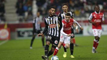 Foot - L1 - Angers - Ligue1: Angers sans Angelo Fulgini ni Stéphane Bahoken contre Nîmes