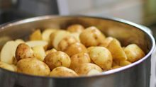 This is how to perfectly cook potatoes for potato salad