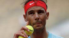Nadal se queja de las pelotas en Roland Garros; el fabricante quiere que gane para demostrar que se equivoca