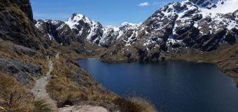 Mujer pierde a su pareja y sobrevive un mes en zona remota de Nueva Zelandia