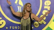 Rita Cadillac faz aulas de samba e estreia no Carnaval: 'Uma madrinha de bateria velha'