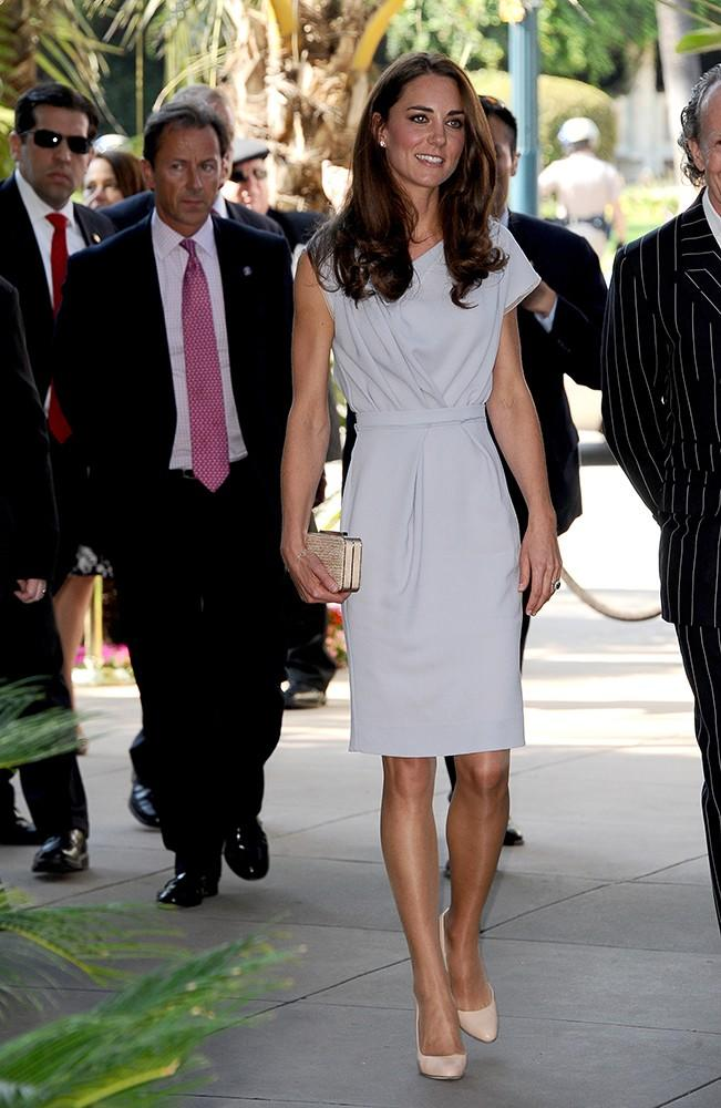 Kate wore this grey shift by London-based designerRoksanda Ilincic while in Los Angeles.