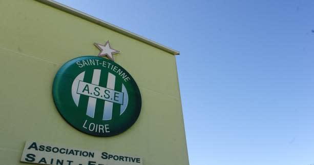 Foot L Saint Etienne Deux Joueurs Du Centre De Formation De Saint tienne Exclus