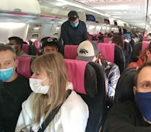 More airlines fill middle seats — in direct opposition to CDC's own advice on reducing COVID-19 exposure