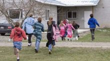 Bountiful polygamists on trial for taking girl to U.S. to marry older man