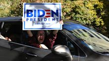 Élection américaine : les soutiens de Biden fêtent la victoire devant la Maison-Blanche