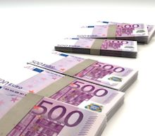 EUR/USD Daily Forecast – Euro Advances as Global Equities Start the Week Strong