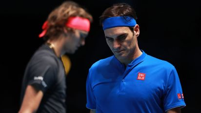 Pro-Federer crowd boos Zverev in crazy tiebreak