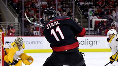 Hurricanes pull away from Predators in Game 1