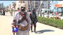 Star Wars Fans Run Relay Race To Comic-Con