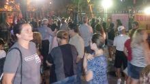 Vizinhos protestam contra fechamento de rua no Novo Leblon, na Barra