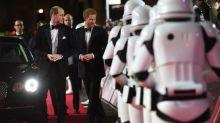 威廉王子和哈里王子做兵?他們《星戰8》被剪戲份終於重見天日!