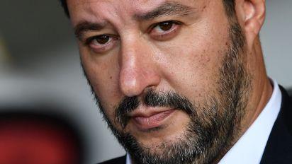 Padre e madre su carta d'identità: il Garante boccia Salvini