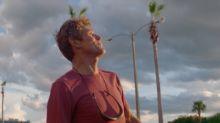 """""""Un sogno chiamato Florida"""", un eccezionale Willem Dafoe: il backstage con il regista"""