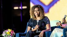 Cacheada e empoderada: Michelle Obama surge linda com o cabelo natural