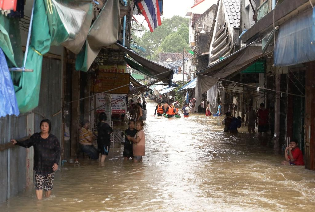 The heaviest January rains for three decades have lashed Thailand's southern neck for more than a week, affecting 1.1 million people across eleven provinces (AFP Photo/Tuwaedaniya Meringing)