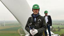Pourquoi Nicolas Hulot est-il monté sur une éolienne ?