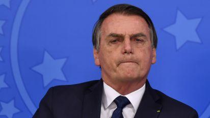 Bolsonaro decide suspender vestibular para trans